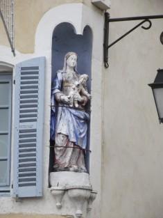 à l'angle de la rue des Ardrillers et de la rue Auguste Loutreuil